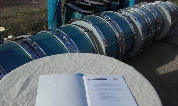 Presupuesto Participativo: Escobar entregó instrumentos y accesorios a una murga de Matheu