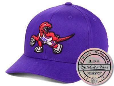 ea8a37875aca7 Toronto Raptors Mitchell   Ness NBA HWC 110 Flexfit Snapback Cap ...