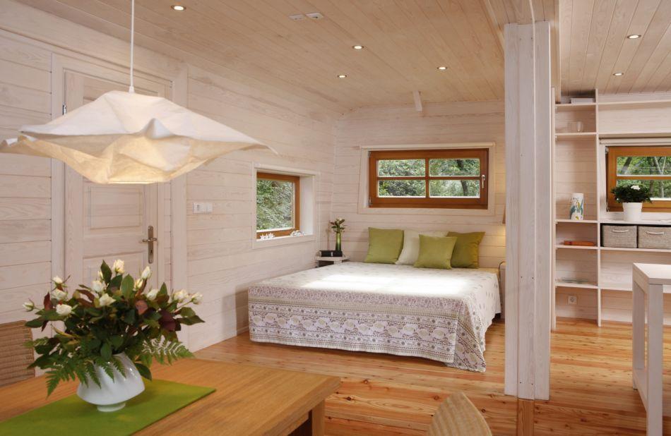 Ein Fenster neben dem Bett für Sternendeuter