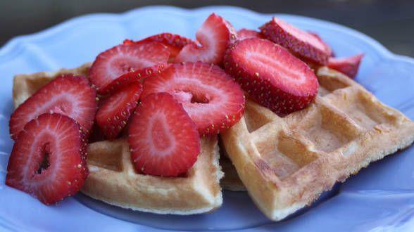 Rachel Ray Strawberry Shortcake Waffles Love them Dessert ideas