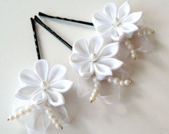 White Bridal Kanzashi Fabric Flower hair comb . Bridal Hair piece.
