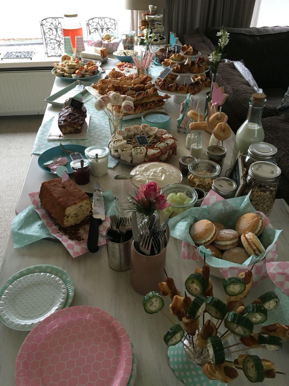 Lunch/brunch/breakfast table