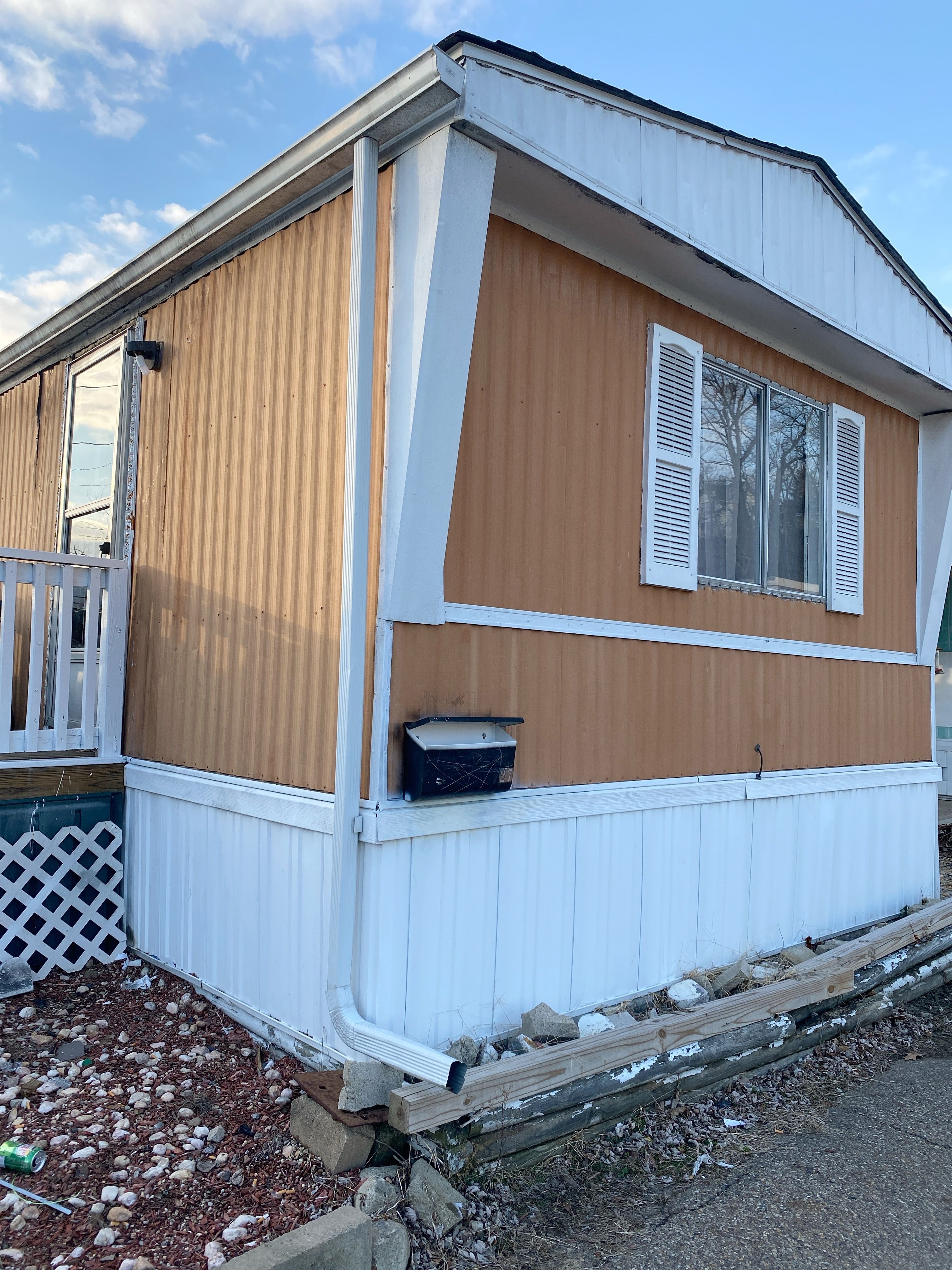 Cheswick Trailer For Sale 2 Bedroom 1 Bathroom 8500 00 Priced To Sell Fast In 2020 Mobile Homes For Sale Outdoor Decor Trailers For Sale