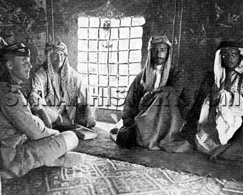 الشريف فيصل بن الحسين الثاني من اليمين في الحجاز أيام الثورة العربية الكبرى Historical Figures The Past Iraq