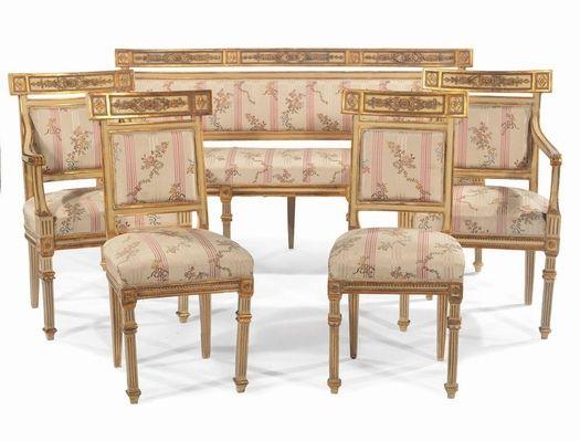 Salotto in stile Luigi XVI in legno intagliato e dorato, XIX secolo ...