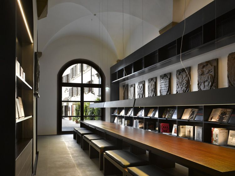 515f9d14e468 Gucci Museum, Florence, Italy. | A Place For Books in 2019 | Museum ...