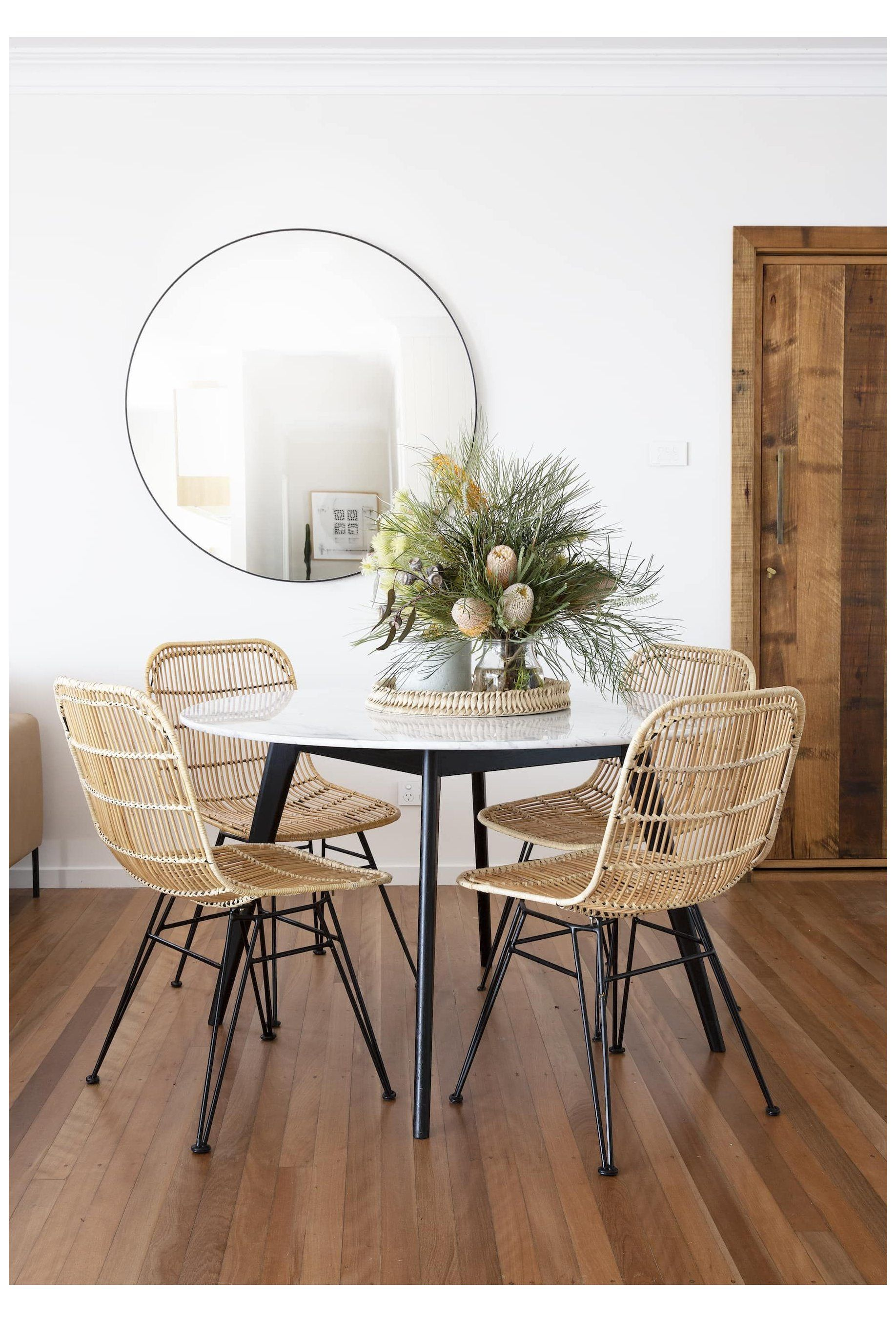 Decorating Ideas For All Dining Table Shapes Round Dining Table Styling Rounddiningtab Marble Top Dining Table Mirror Dining Room Dining Table Centerpiece