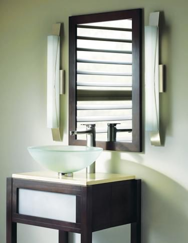 The Dover linear bath bar from LBL Lighting has the perfect balance of glass and metal and can be mounted either horizontally or vertically. www.lbllighting.com