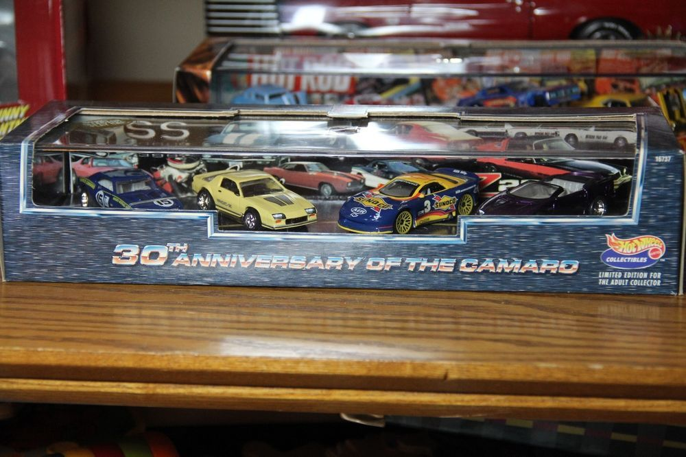 Hot Wheels Camaro 30th Anniversary 4 Car Set Mib Limited Edition