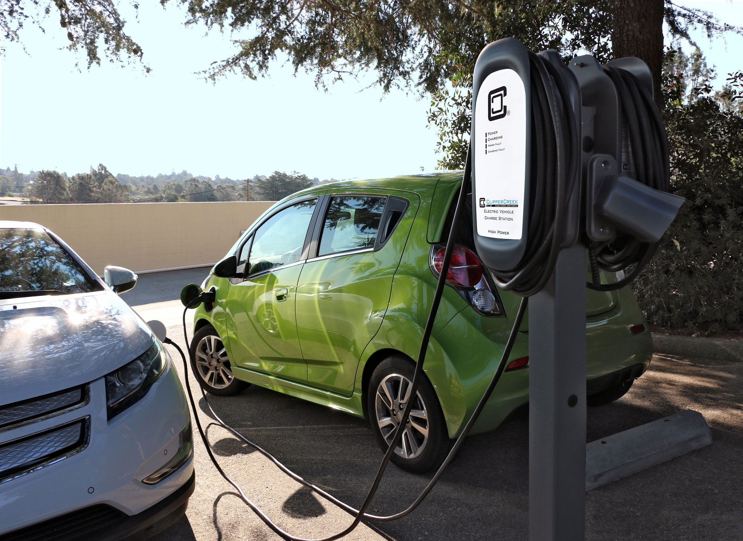 Clippercreek Announces New Power Sharing Electric Vehicle Charging