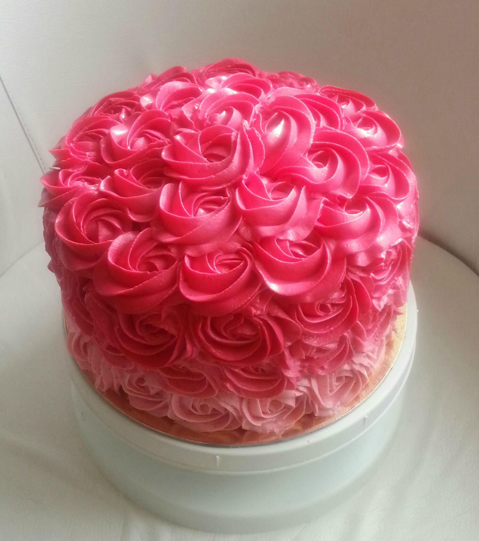 Glacage rose pour gateau au chocolat