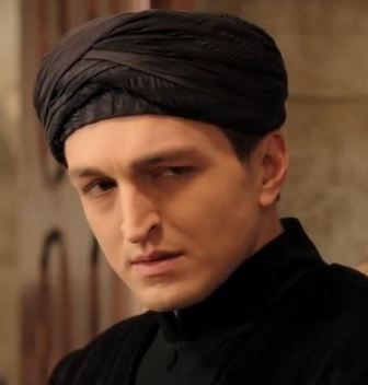 Saygın Soysal v seriáli Sultán