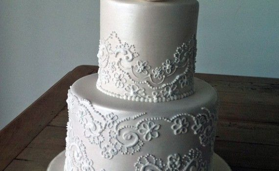 lace icing for wedding cakes royal icing lace to cake cahill style royal icing 16685