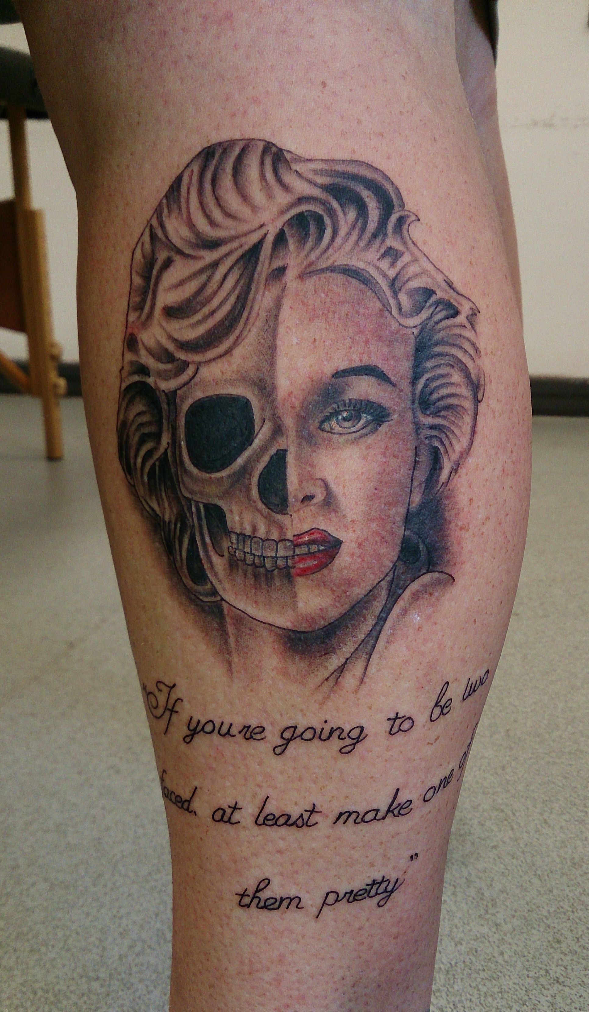 Marilyn monroe tattoo tribute leg half skull half face for Marilyn monroe skull tattoos