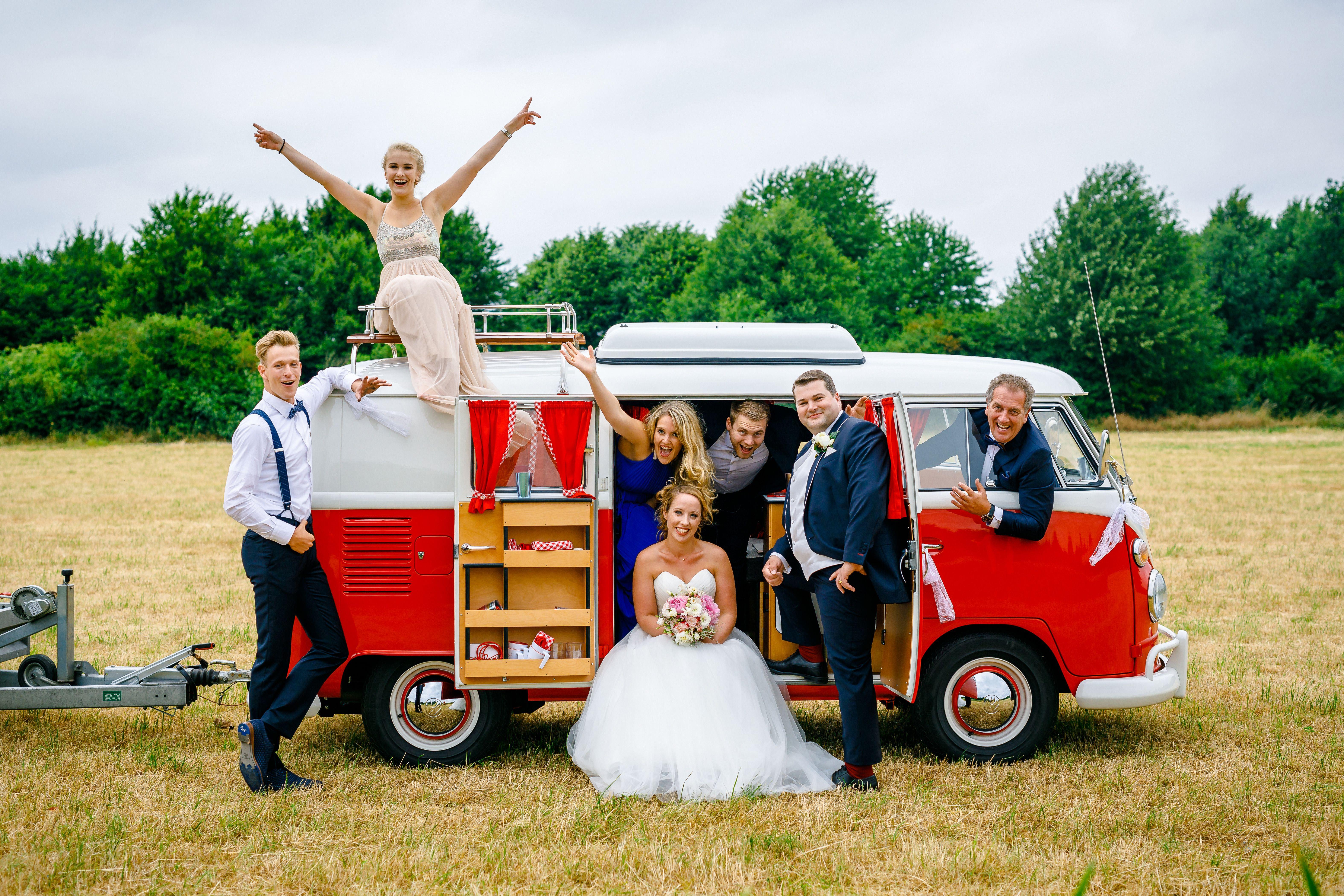 Tolle Hochzeitskutsche Mit Kutscher Und Brautpaar Aus Metall 19 Cm