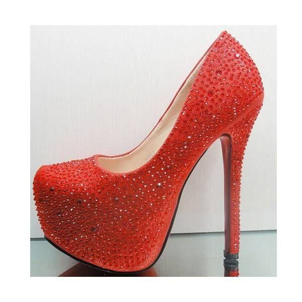 Chaussure a talon rouge avec perles