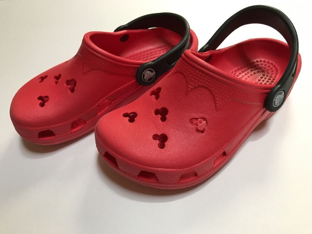 6afaf61282af86 Disney Crocs Mickey Mouse Cutout Red Black EUC Size 1   3 Unisex Kids Boys  Girls