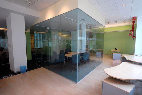 Divisiones modernas en acrilico para tu oficina ver http for Divisiones oficinas modernas