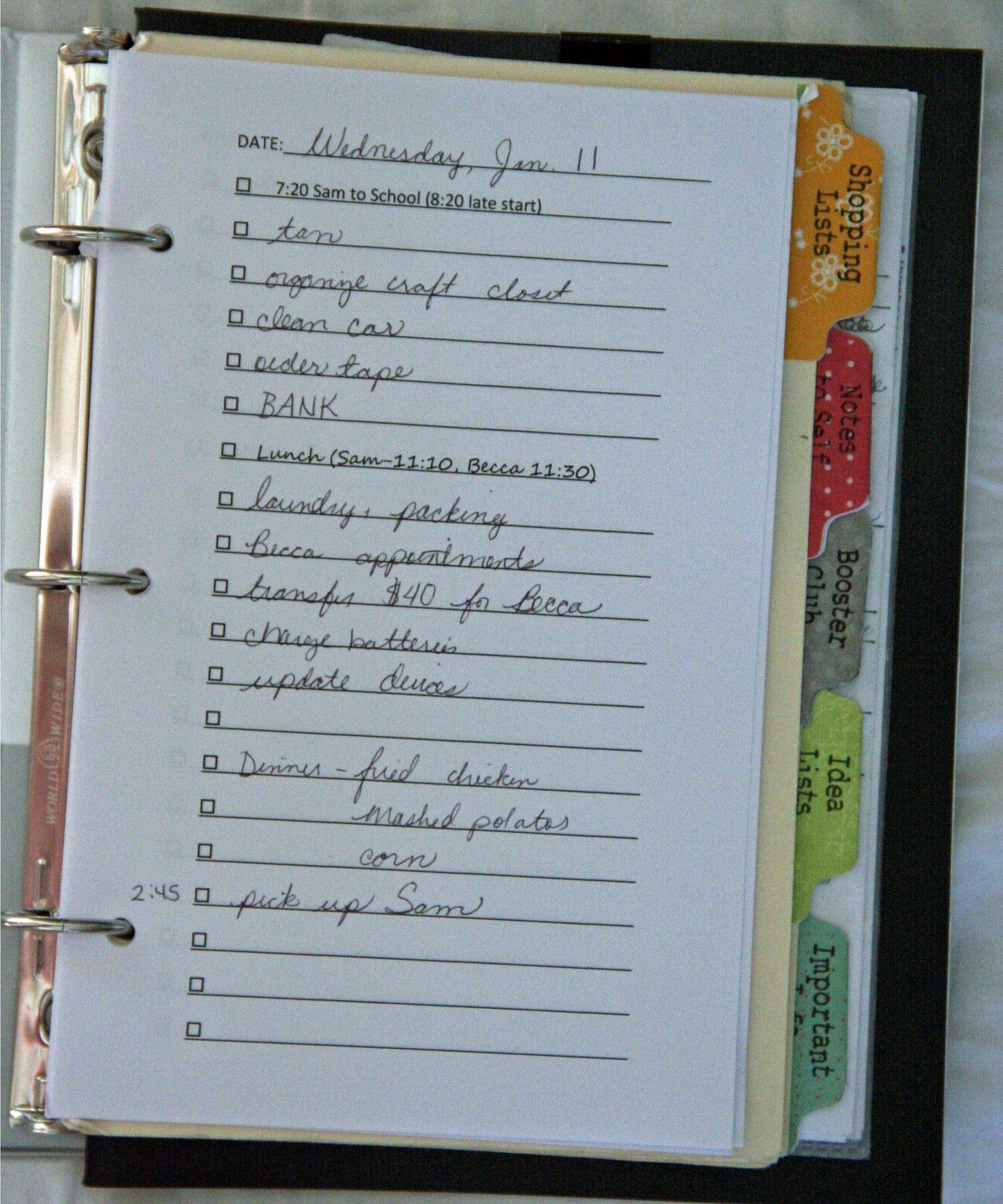 DIY Daily Planner/Organizer | Life Moves Pretty Fast ... Interesting post of how she puts together her planner (Read 06/25/2013 - ThT (•~•))