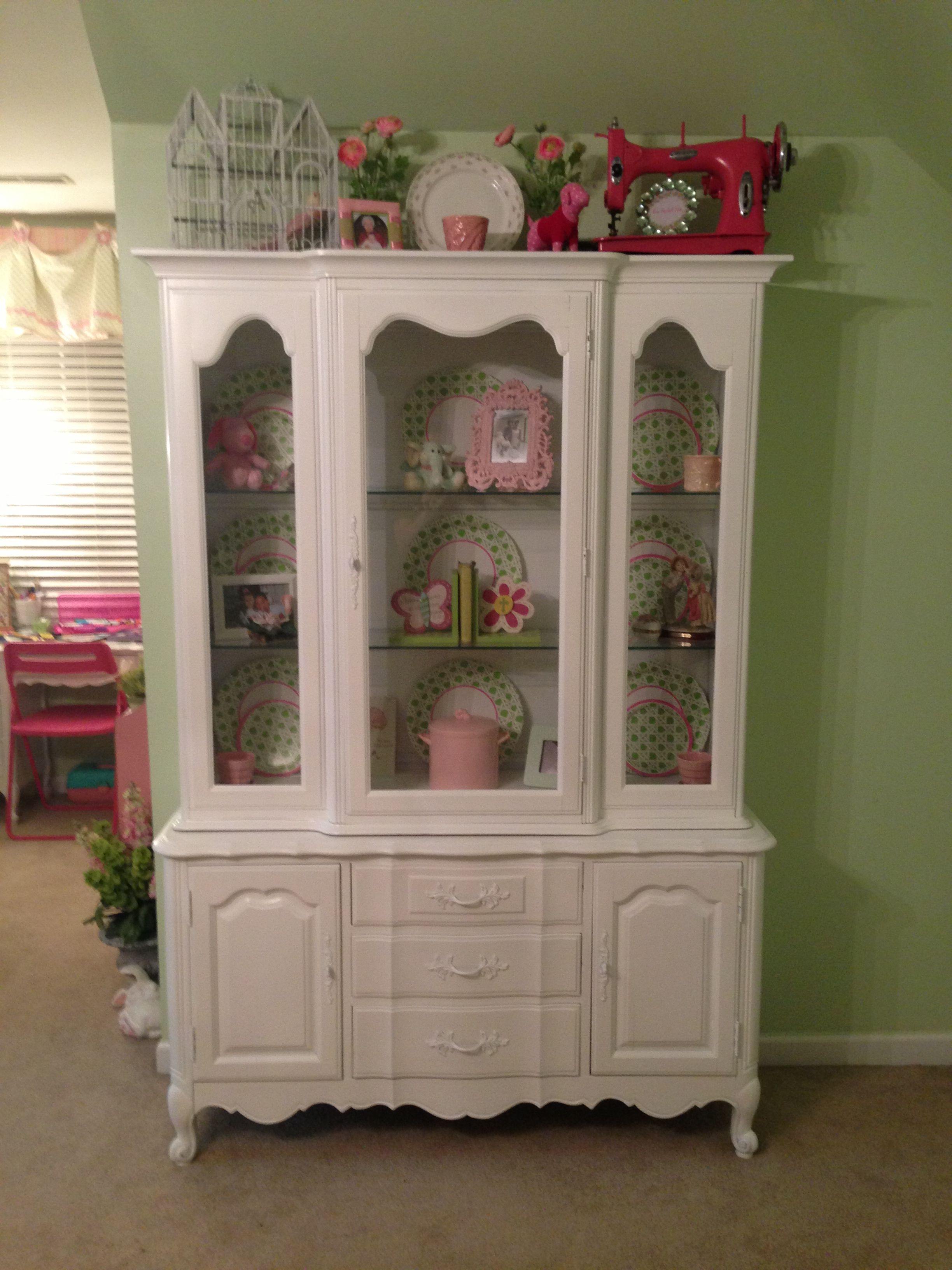 ANNA'S VINTAGE FIND-- Thomasville Country French Tableau China Cabinet--SHABBY CHIC!