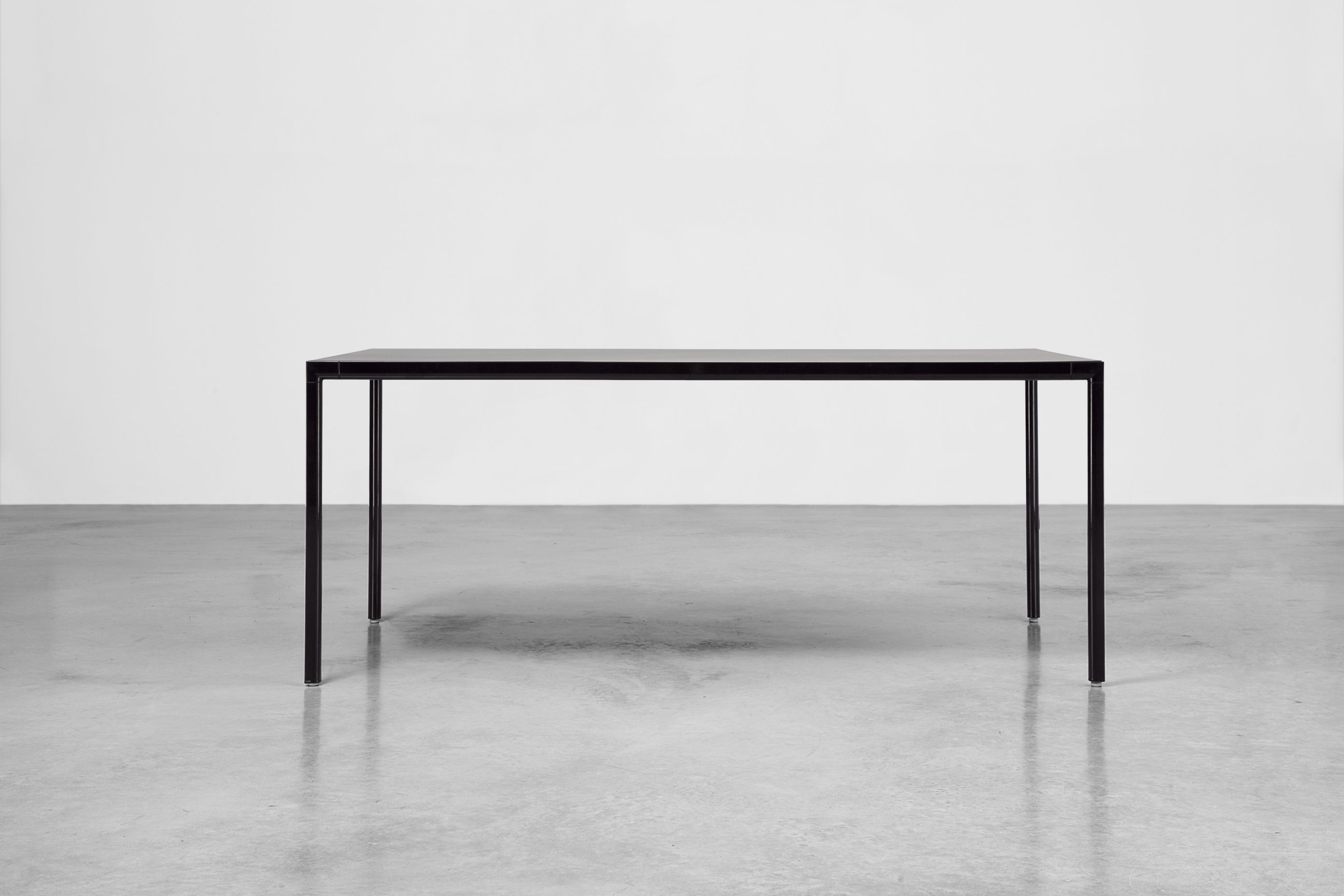 Sui Lacquered Table By Inclass Mobles Design Carlos Tiscar