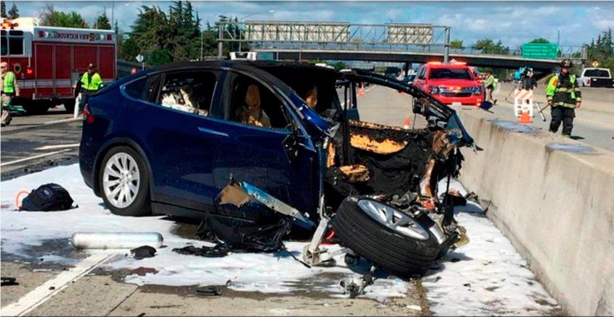 Fatal Tesla Crash Exposes Gap In Automaker S Use Of Car Data