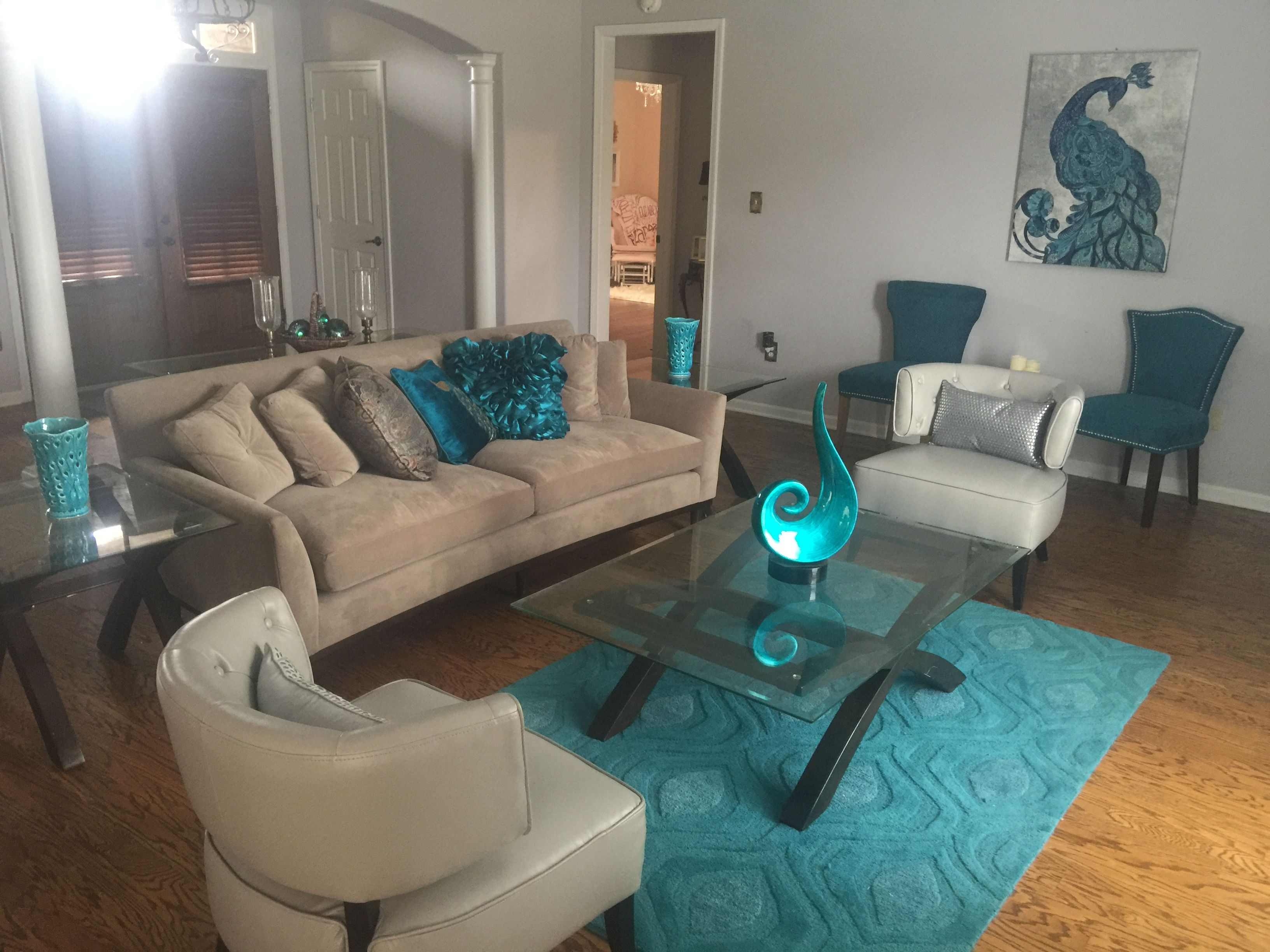 Turquoise teal peacock contemporary modern living room Haverty s