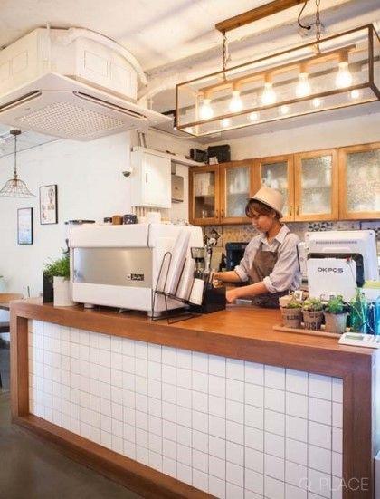 주택 개조 카페빈티지 디자인 카페 제주도 방언으로 느릿느릿이라는 뜻의상수동에 위치한 한적한 카페에요 소규모 식당 디자인 상점 내부 디자인 디자인