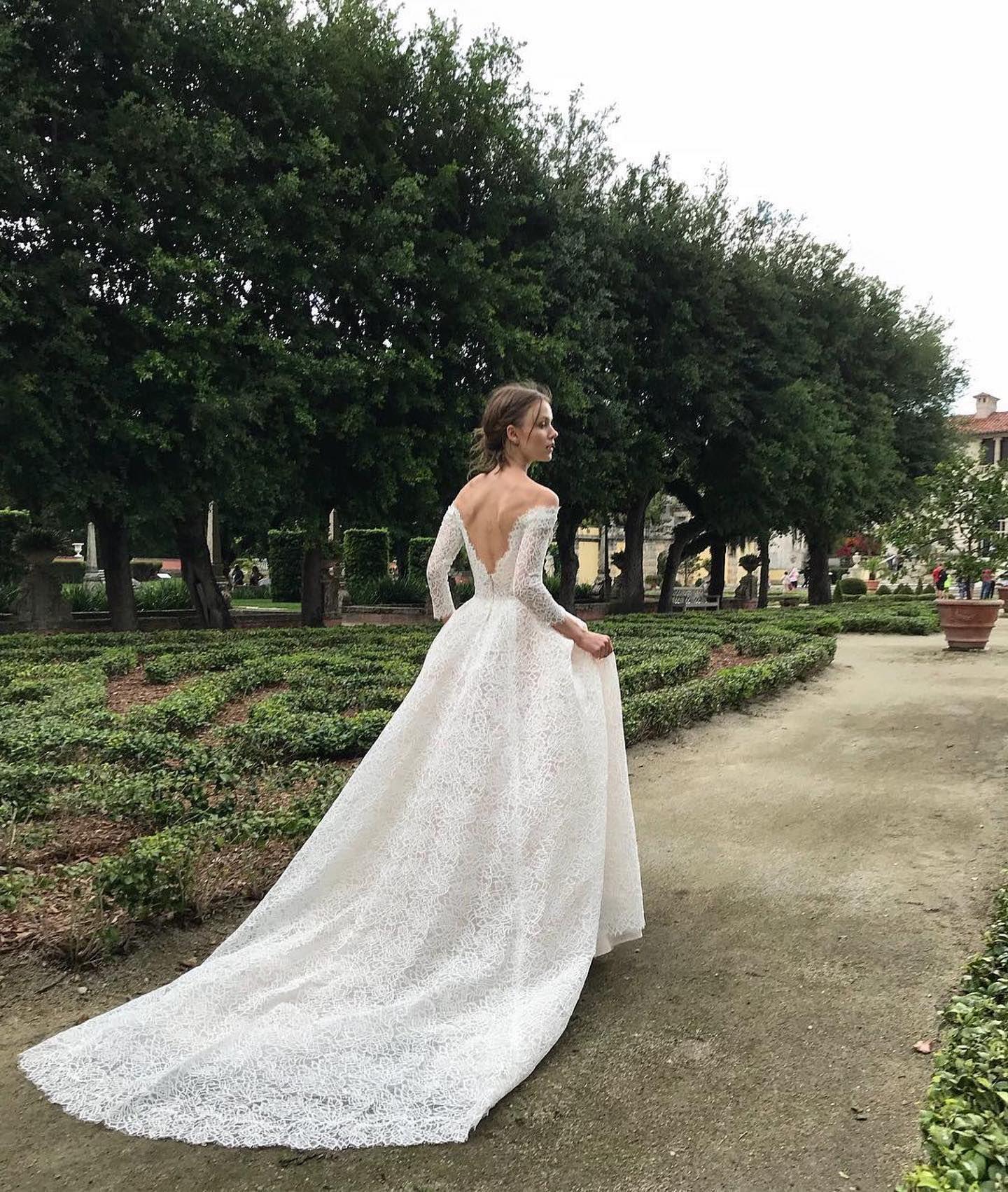 New In Lovely By Moniquelhuillierbride Isn T She Lovely Moni Cheap Wedding Dress Long Sleeve Wedding Dress Lace Monique Lhuillier Wedding Dress [ 1702 x 1440 Pixel ]