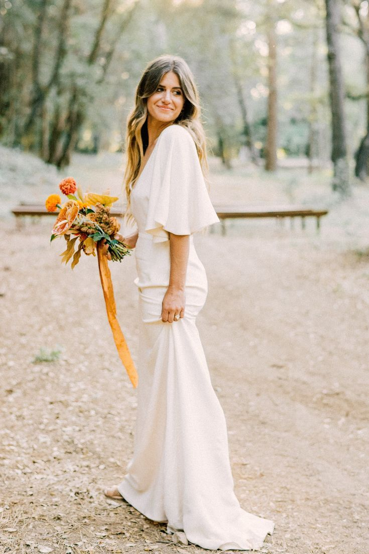 Sarah seven wedding dress  Stunning us Vibe with this wedding LOVE how romantic these photos