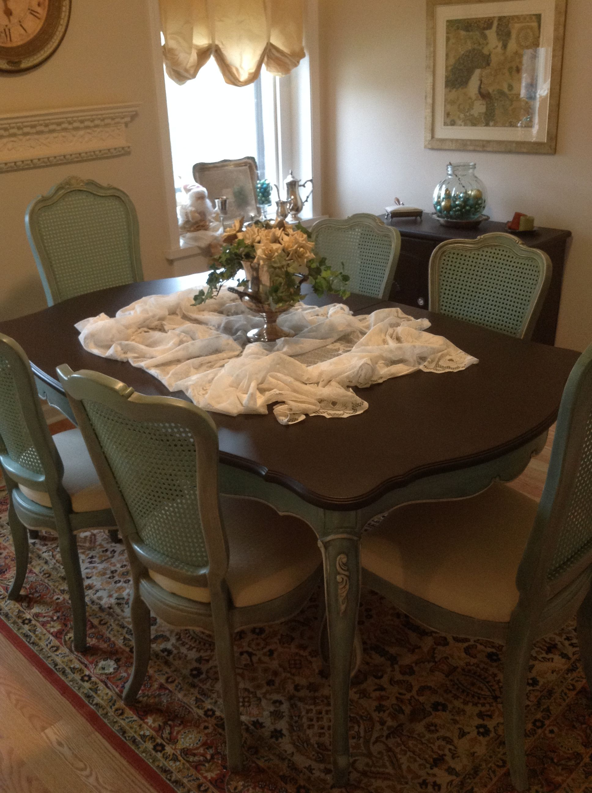 French Provincial Or French Country Thomasville Dining Room Table And Cane  Back Chairs