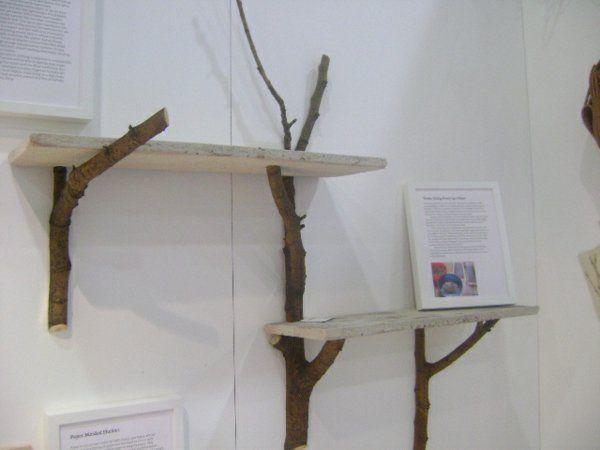 Holz wandregal design  baumzweige holzbretter diy wandregal design ideen   basteln ...