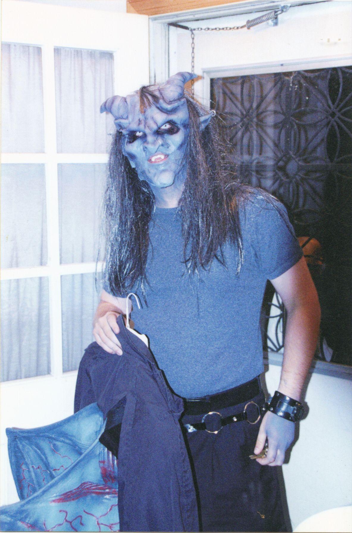 my take on gargoyle reel FX mask http://shop.wizardschest.com ...
