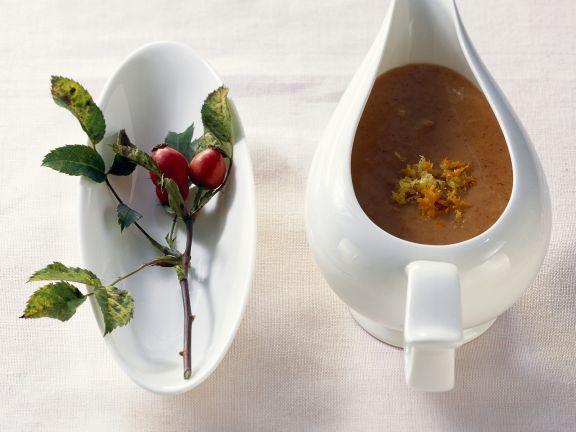 Herzhafte Hagebuttensoße ist ein Rezept mit frischen Zutaten aus der Kategorie Saucen. Probieren Sie dieses und weitere Rezepte von EAT SMARTER!