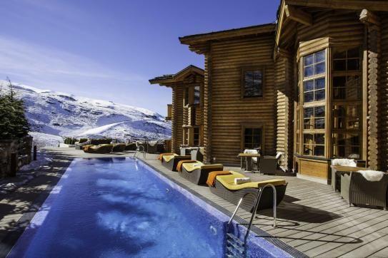 Vuelve El Lodge, el hotel que se incendió en Sierra Nevada