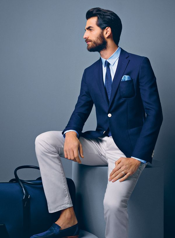 9a06e008021 Les essentiels mode homme du printemps-ete   The Essential Menswear Spring  - Summer Blue Blazer