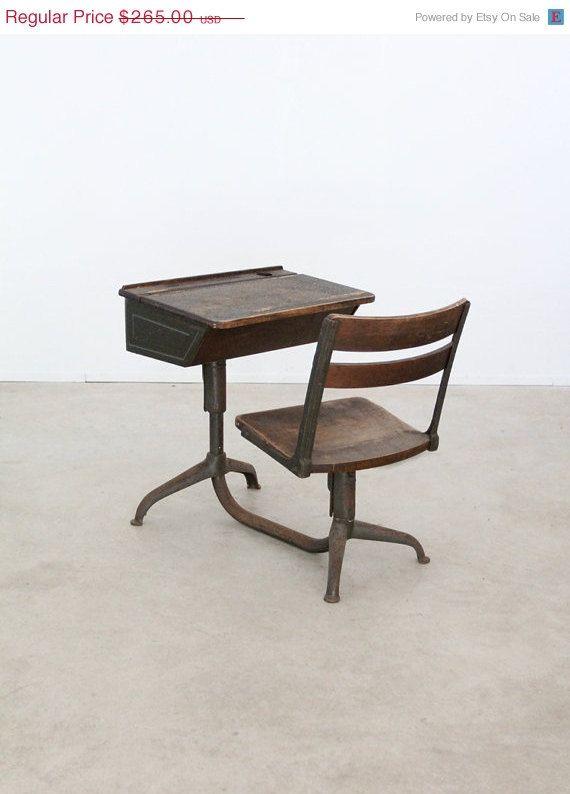 vintage school desk / 1940s kids desk on Etsy, $225.25 - Vintage School Desk / 1940s Kids Desk For The Home Pinterest