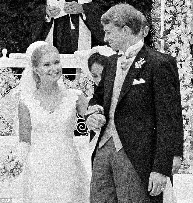 Tricia Nixon Wedding Gown: Pin On # 37 Richard M. Nixon 1969-1974