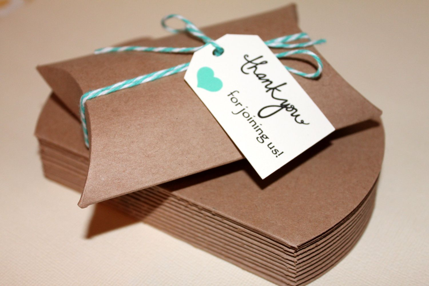 zoom Wedding favor boxes, Pillow box, Favor packaging