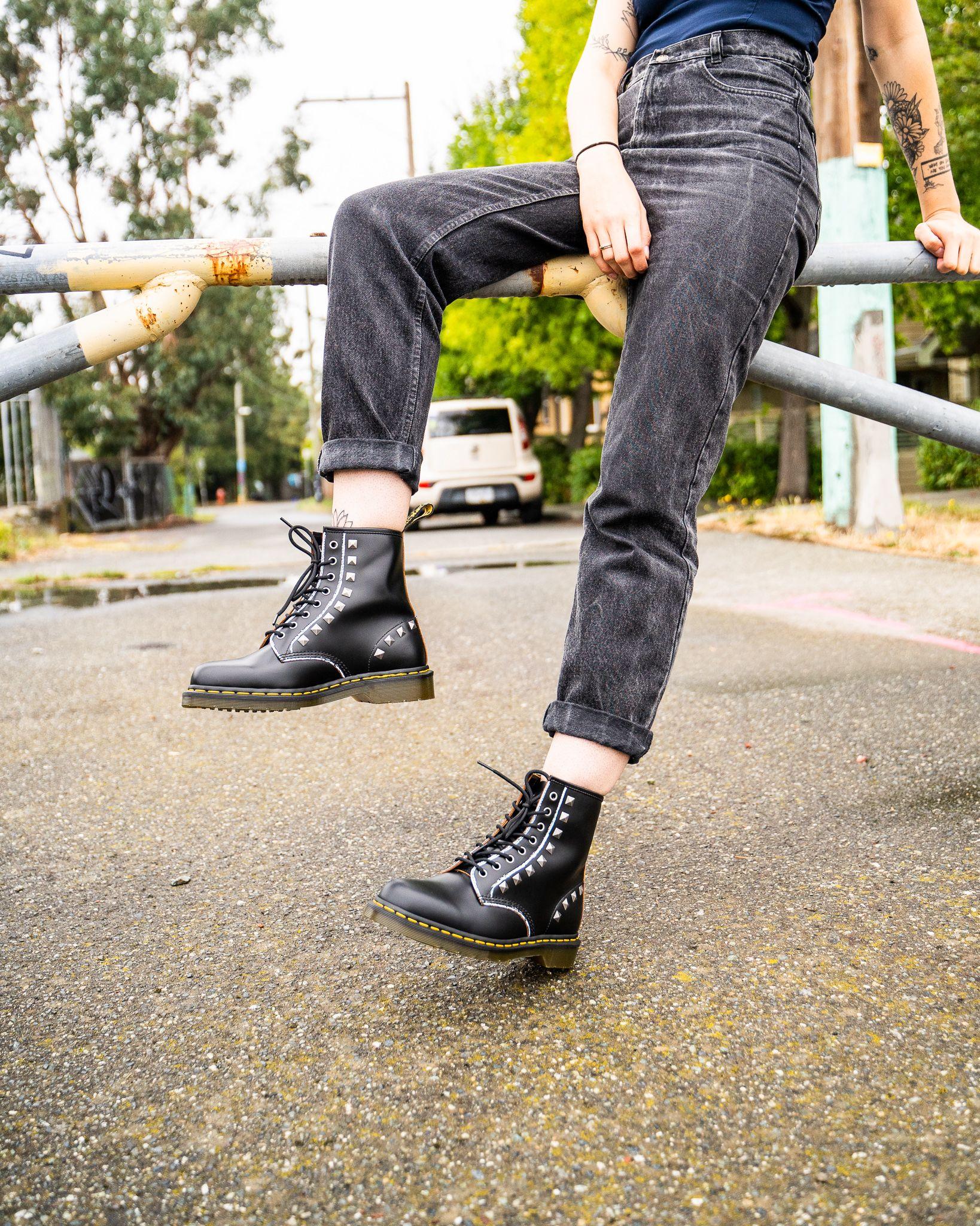 Store Online Dr Martens Boots Black Vintage Smooth Dr