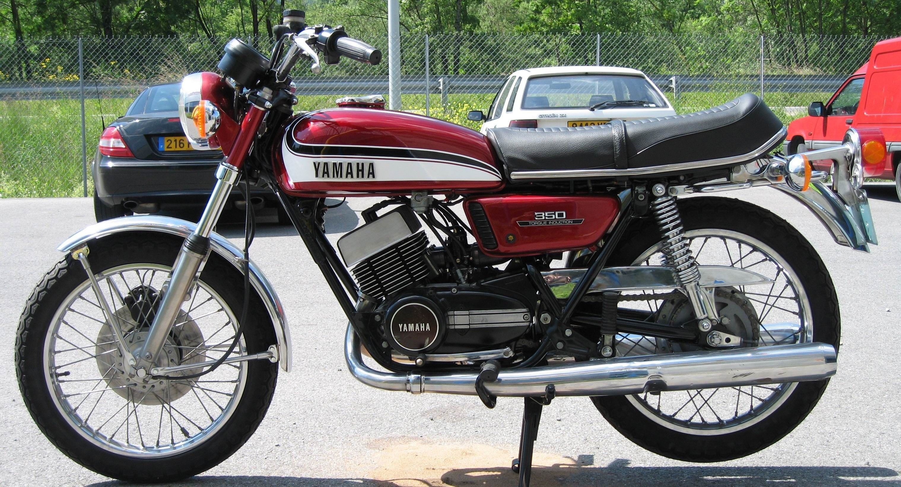 1973 yamaha rd 350 2 wheeler world pinterest. Black Bedroom Furniture Sets. Home Design Ideas