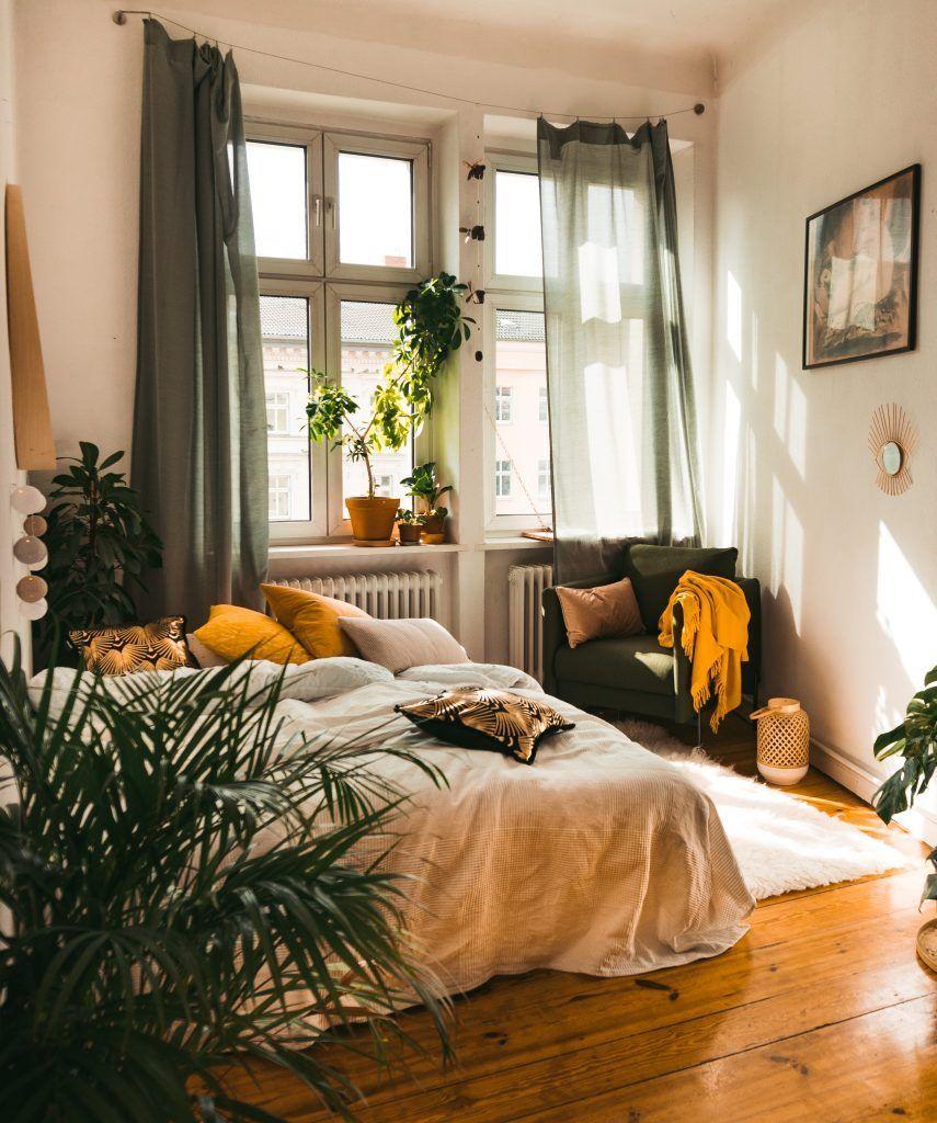 Die 3 Säulen der Gemütlichkeit im goldenen Herbst – fridlaa - io.net/home #apartmentbedrooms