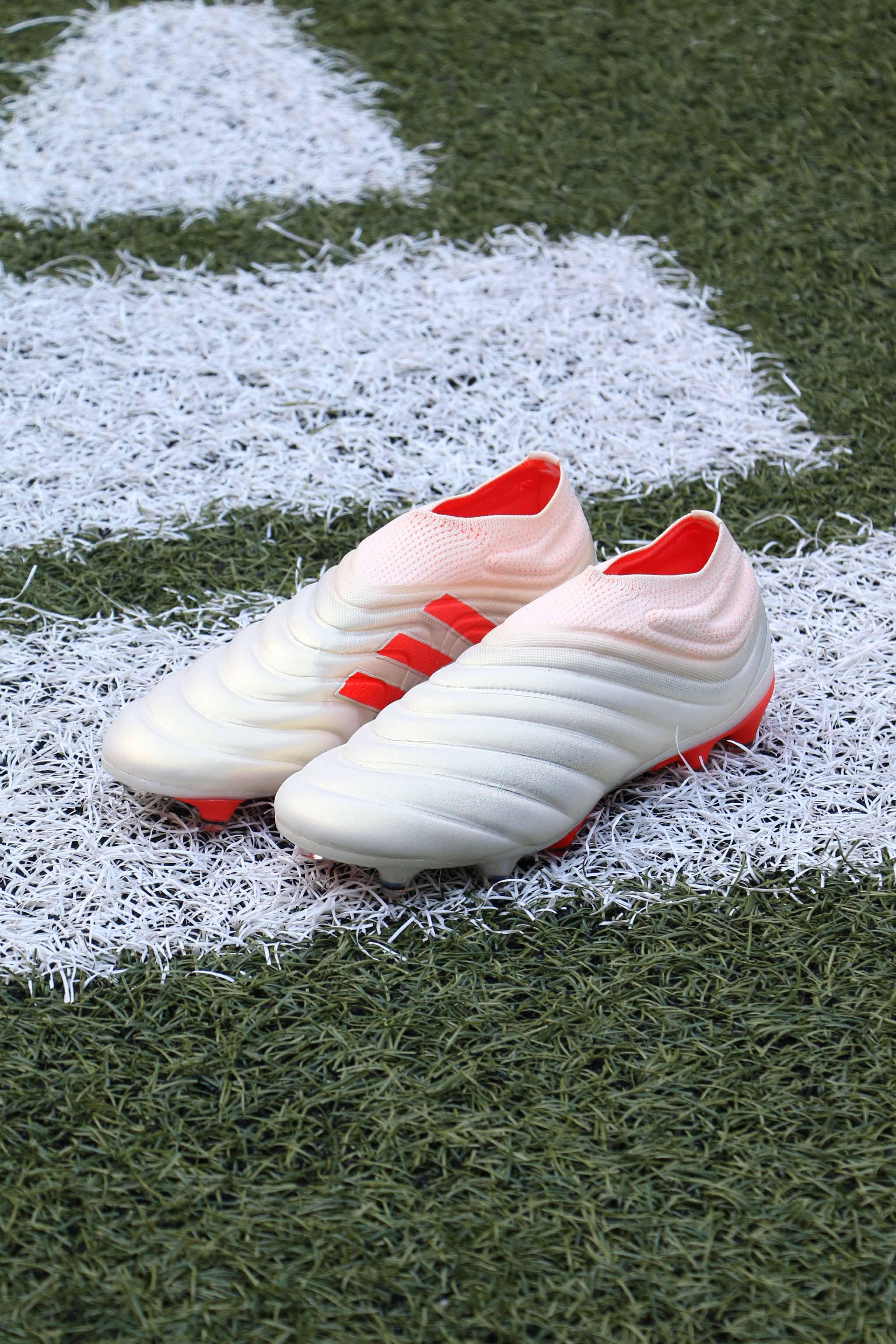 Botas con tacos adidas Copa 19 Initiator Pack
