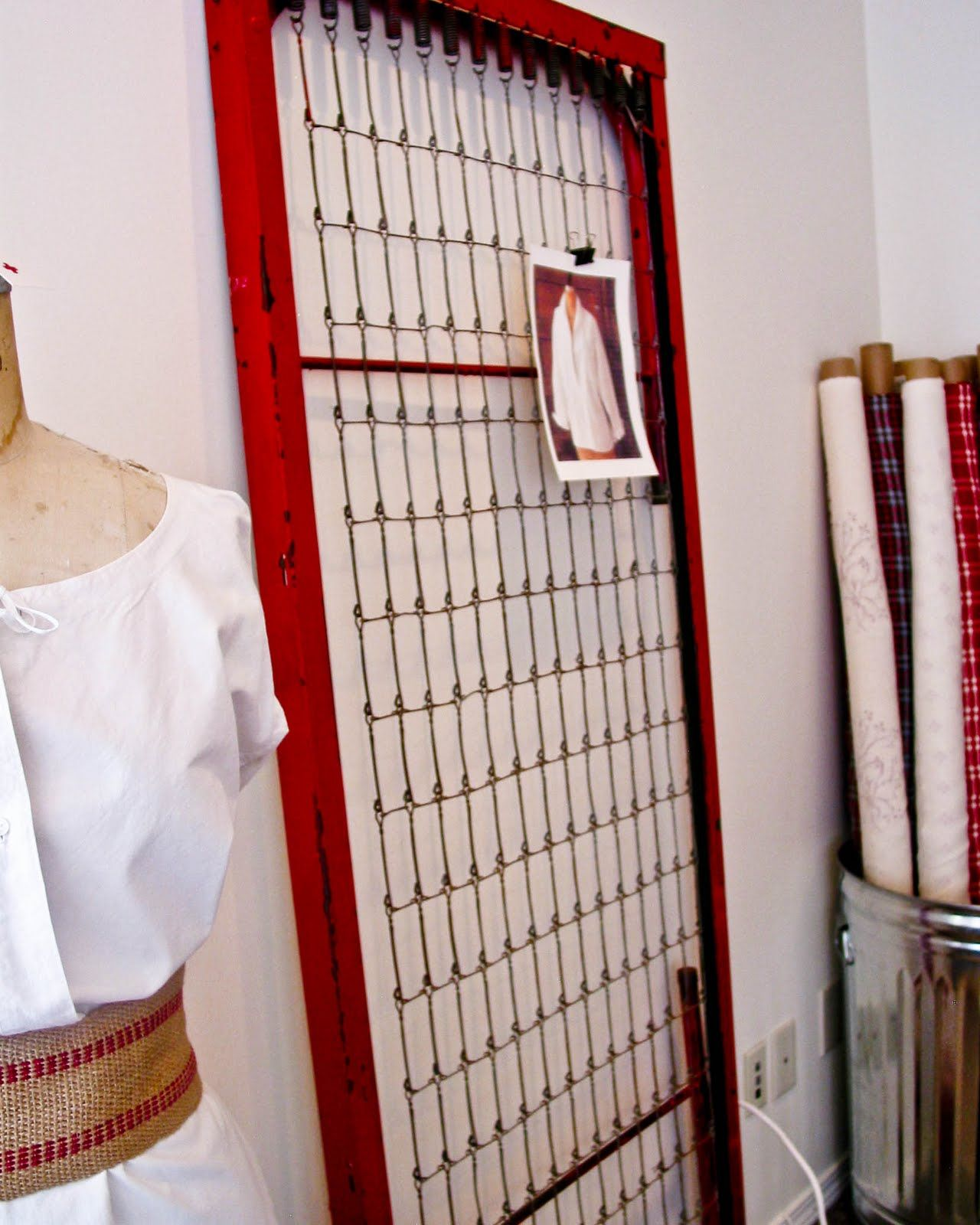 Vintage Bed Frame Cute Idea For Pinboard Or Jewelry Holder