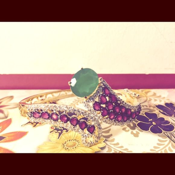 ⚡️FLASH SALE⚡️Bracelet Gorgeous bracelet with pink , green and white stones. Closure snap provides for securing bracelet. Jewelry Bracelets