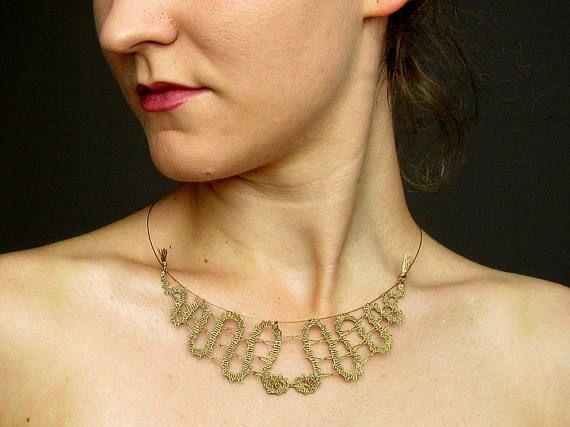 Cordón, collar, collar de encaje de bolillos, collar hecho a mano, joyería cordón, joyería hecha a mano, collar, Swarovski, cristal, regalo para ella, elegante