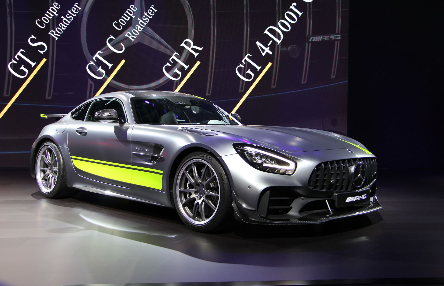 Mercedes Amg Unveils Even Faster Gt R Pro Mercedes Amg Mercedes