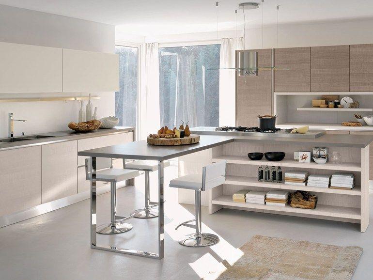 Cucina componibile laccata con maniglie integrate Collezione Brava ...