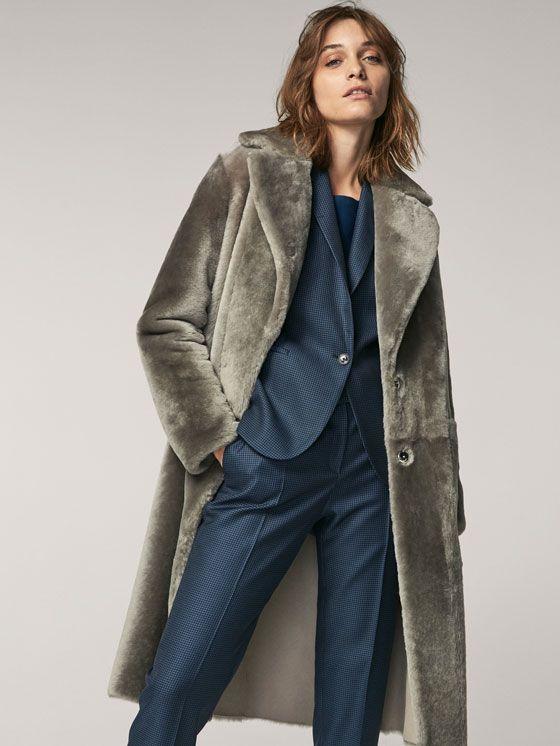 Abrigo Mouton Reversible Gris De Mujer Abrigos Y Chaquetas Ver Todo De Massimo Dutti De Primavera Verano 2017 Por 999 Winter Fashion Coats Coat Mouton Coat