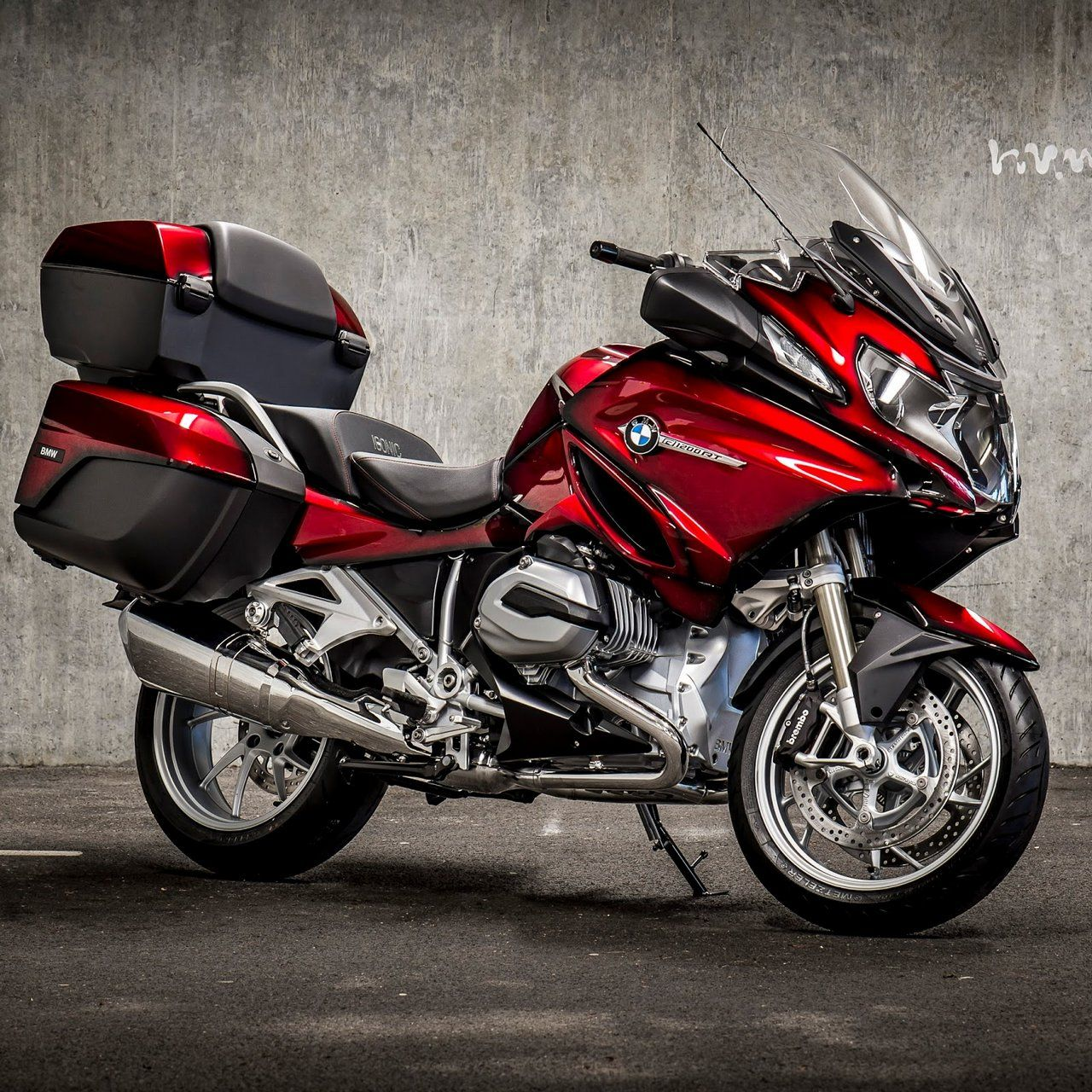 Bmw R 1200 Rt Iconic Bmw Motorcycle Touring Bmw R1200rt Bmw Motorcycles